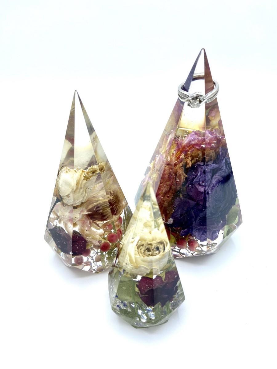 Wedding - Epoxy Resin Ring and jewelry holder, Diamond ring holder Wedding bouquet preservation, flower preservation keepsake