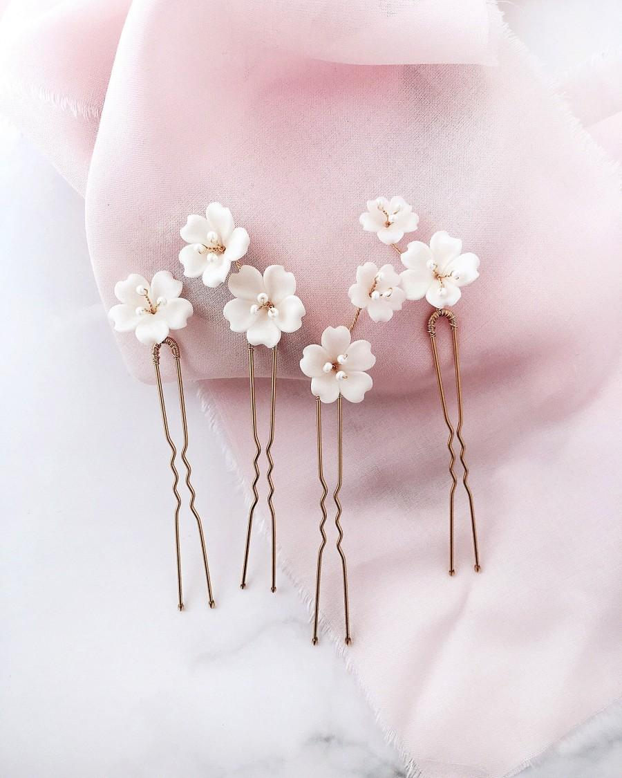 Wedding - Wedding flower hair pins White flower hair piece Bridal flowers hairpins Floral hair pins Wedding hair piece Bridal head piece flowers