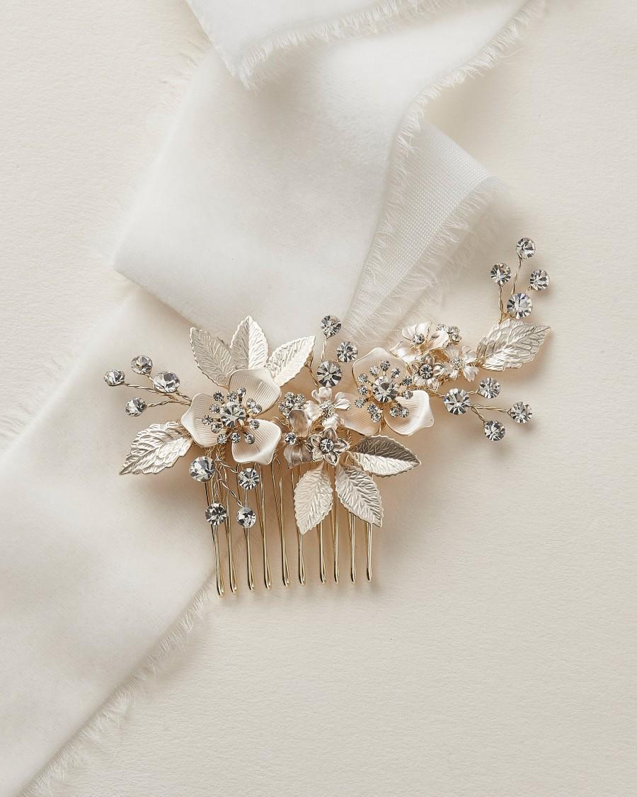 Hochzeit - Floral Bridal Comb, Floral Wedding Hair Comb, Bridal Hair Comb, Floral Bridal Hair Accessory, Wedding Hair Accessory, Floral Comb ~ TC-2437
