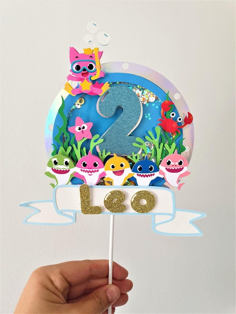Mariage - Baby Shark Cake Topper / 3D Personalised Cake Topper/Girl & Boy Shaker Cake Topper