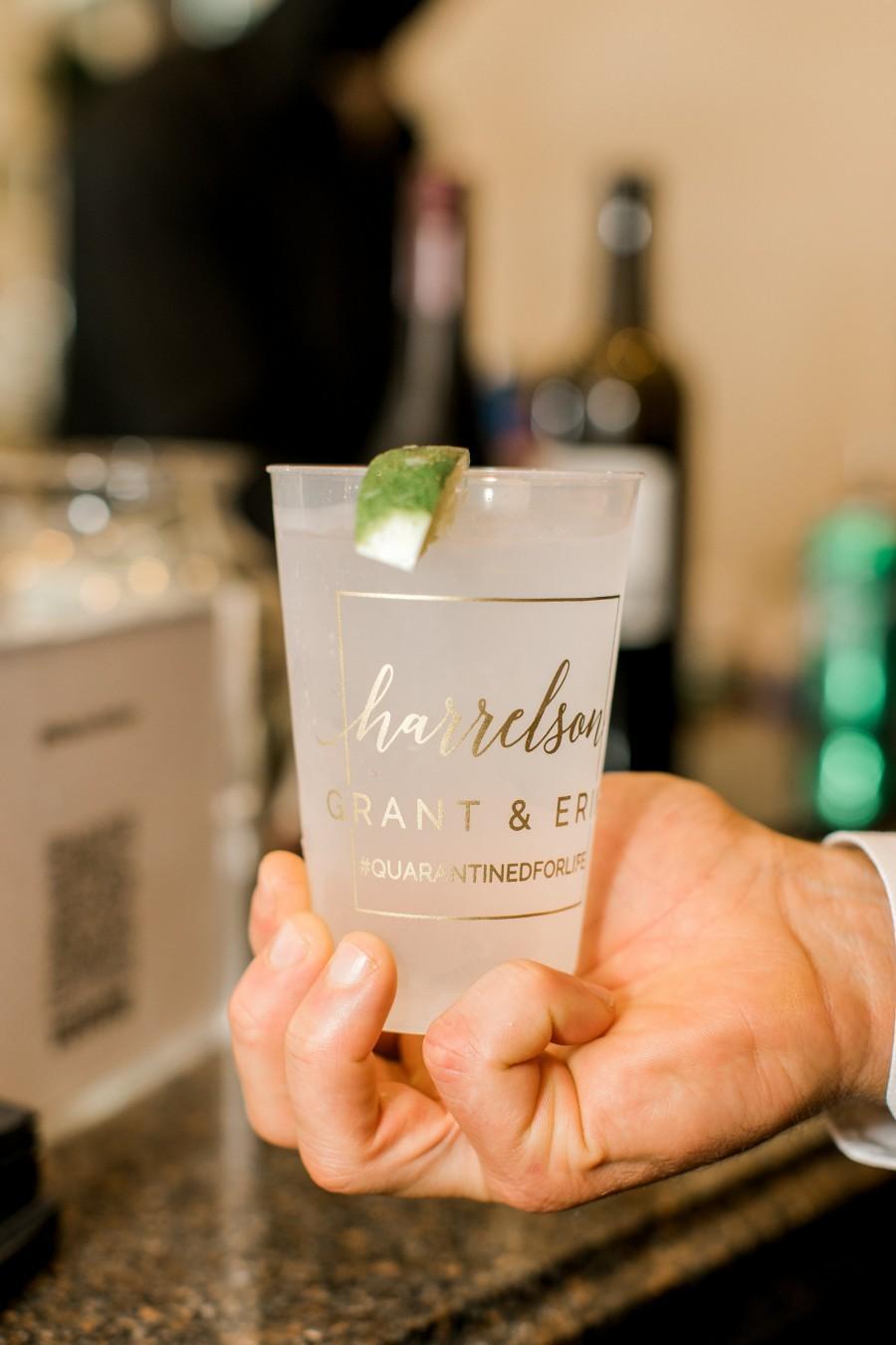 زفاف - Customized Wedding Reception Bar Frosted Cups, Personalized Shatterproof Cups, Modern Wedding Decor, Signature Cocktails, Engagement Party