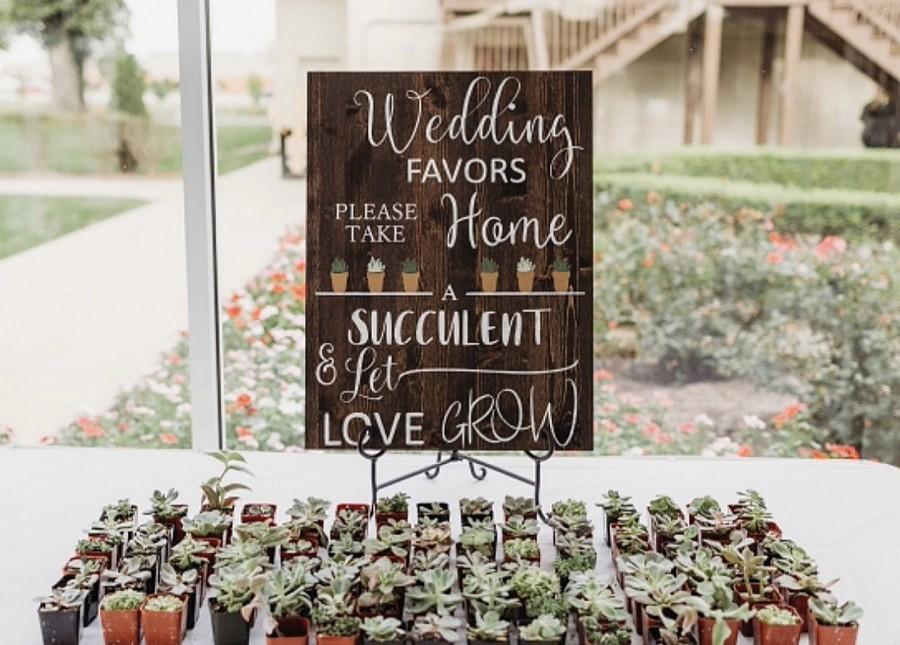 Mariage - Let Love Grow sign + Take A Succulent + Wedding Decor + Wedding Favor Sign + Farmhouse Wedding + Barn Wedding + Rustic Wedding Decor