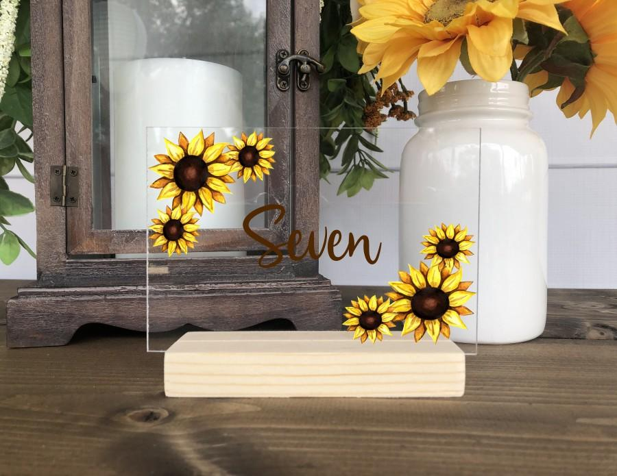 Mariage - Sunflower Wedding Table Numbers / Personalized Clear Acrylic Floral Table Centerpiece (Item 2135FFA)
