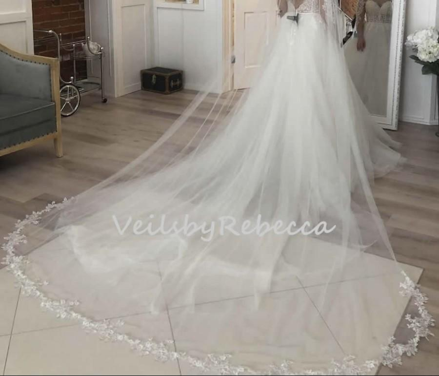 Hochzeit - 1 tier floral lace bottom cathedral veil ,embroidered lace cathedral veil,soft tulle floral lace cathedral wedding veil V903