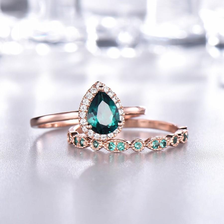 زفاف - Pear Emerald Engagement Ring Set,Diamond halo,Plain Rose Gold Band,Emerald Wedding Band,Art Deco Wedding Band,Women Bridal Set,14K/18K Gold