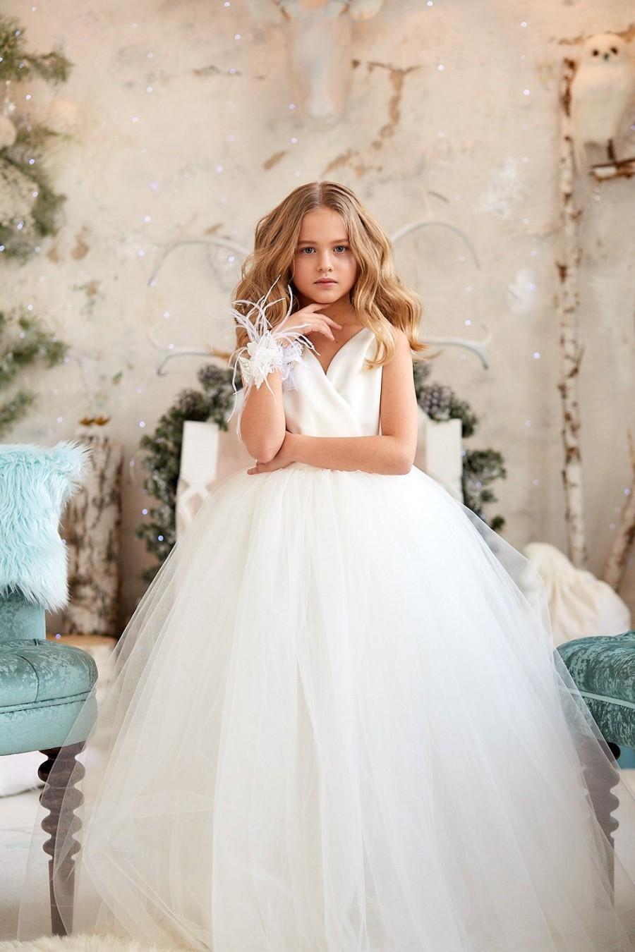 Hochzeit - Flower girl dress tulle,Flower girl dress,Flower dress,Girl dress,Tulle dress,White boho dress,Sweetvalentina lace flower girl dress,