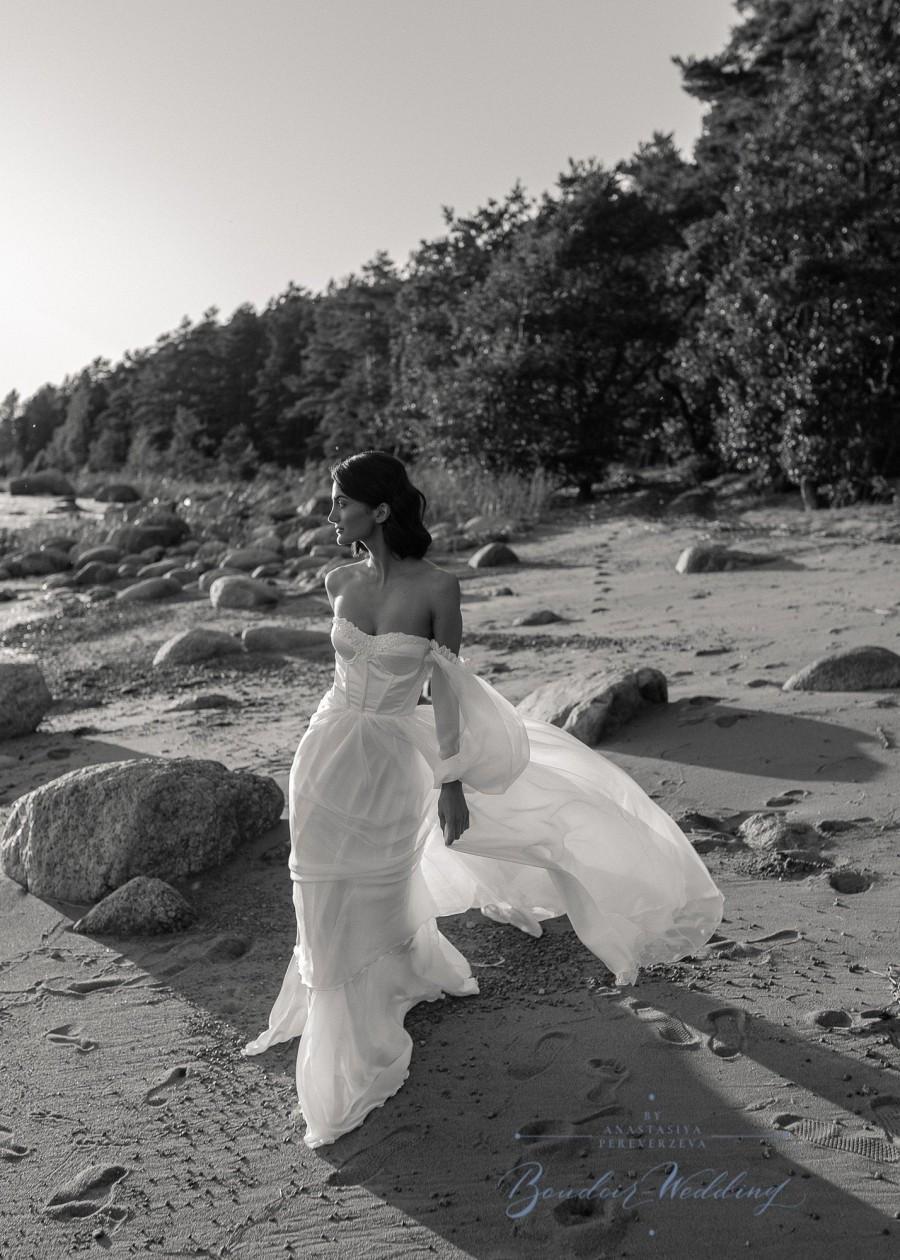 Mariage - Silk wedding dress, boho dress, long sleeve wedding dress, chiffon wedding dress, simple dress, ivory dress, bohemian dress, couture,