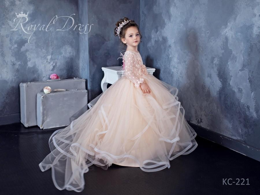 Hochzeit - Dotted tulle Flower Girl Dress, Powder tutu Girl Dress for Birthday Wedding Party, 3d Lace and feathers, detachable train, Bridesmaid Dress