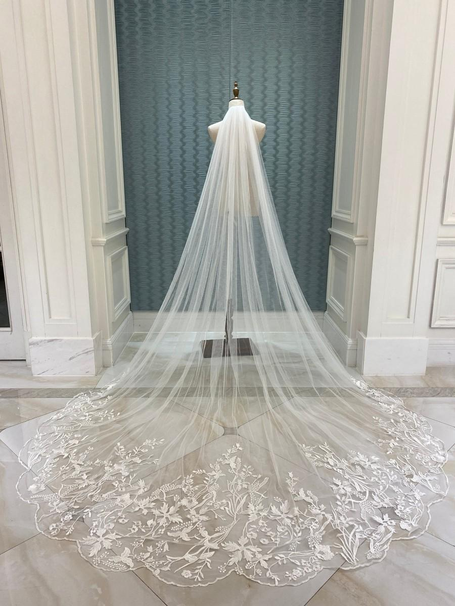 Hochzeit - bridal veil,cathedral veil,blusher veil,wedding veil,long veil,lace veil,sheer veil,ivory veil,embroidered veil,bespoke veil,