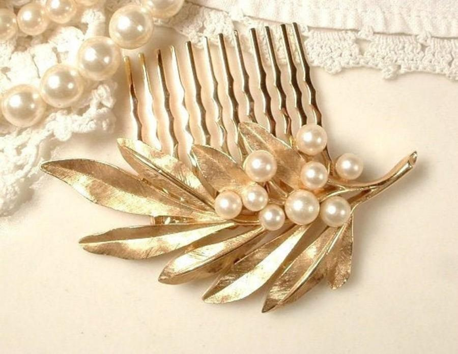 Hochzeit - TRUE Vintage Pearl Brushed Gold Leaf Bridal Hair Comb, Designer TRIFARI Autumn Wedding Hairpiece, Rustic Country Woodland Head Piece 1960s