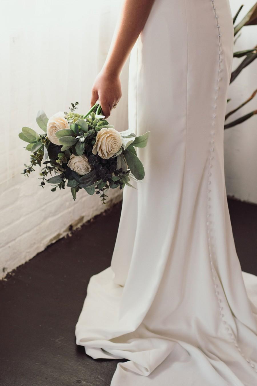 Hochzeit - Greenery Bridal Bouquet, Ivory Rose Wedding Bouquet White Rose Bridal Bouquet, White Greenery Bouquet, White and Green Wedding Bouquet