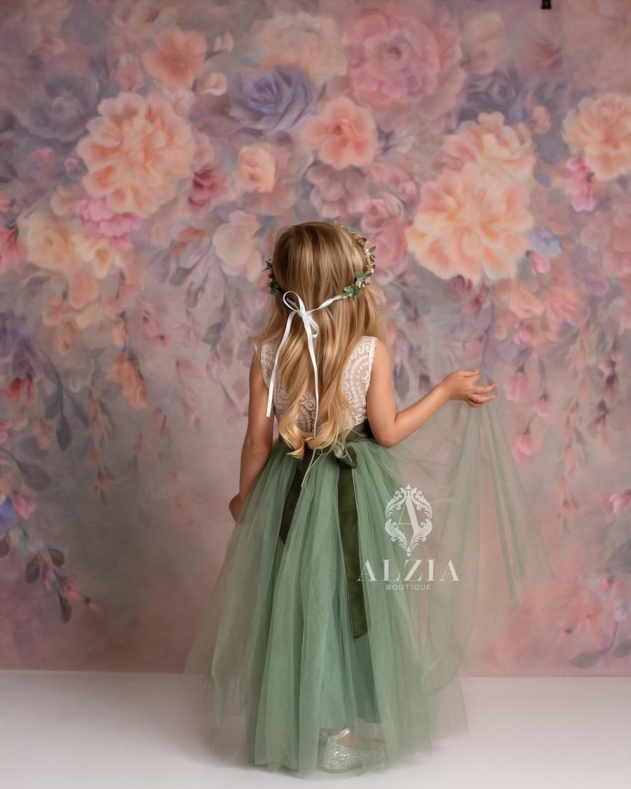 Свадьба - Full Length Sage Green Tulle Sleeveless Lace Top Scalloped Edges Back Party Flower Girl Dress