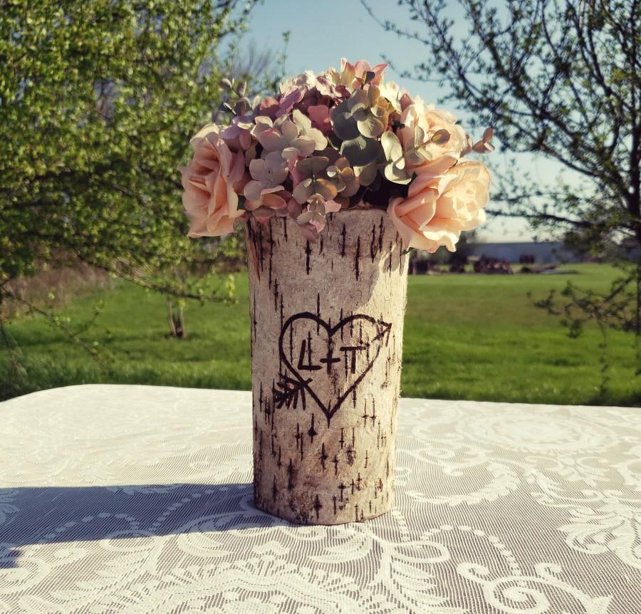 Hochzeit - Rustic wedding Rustic wedding centerpiece Flower vase Bridal shower decorations Wooden vase Personalized wedding gift Vases for centerpieces