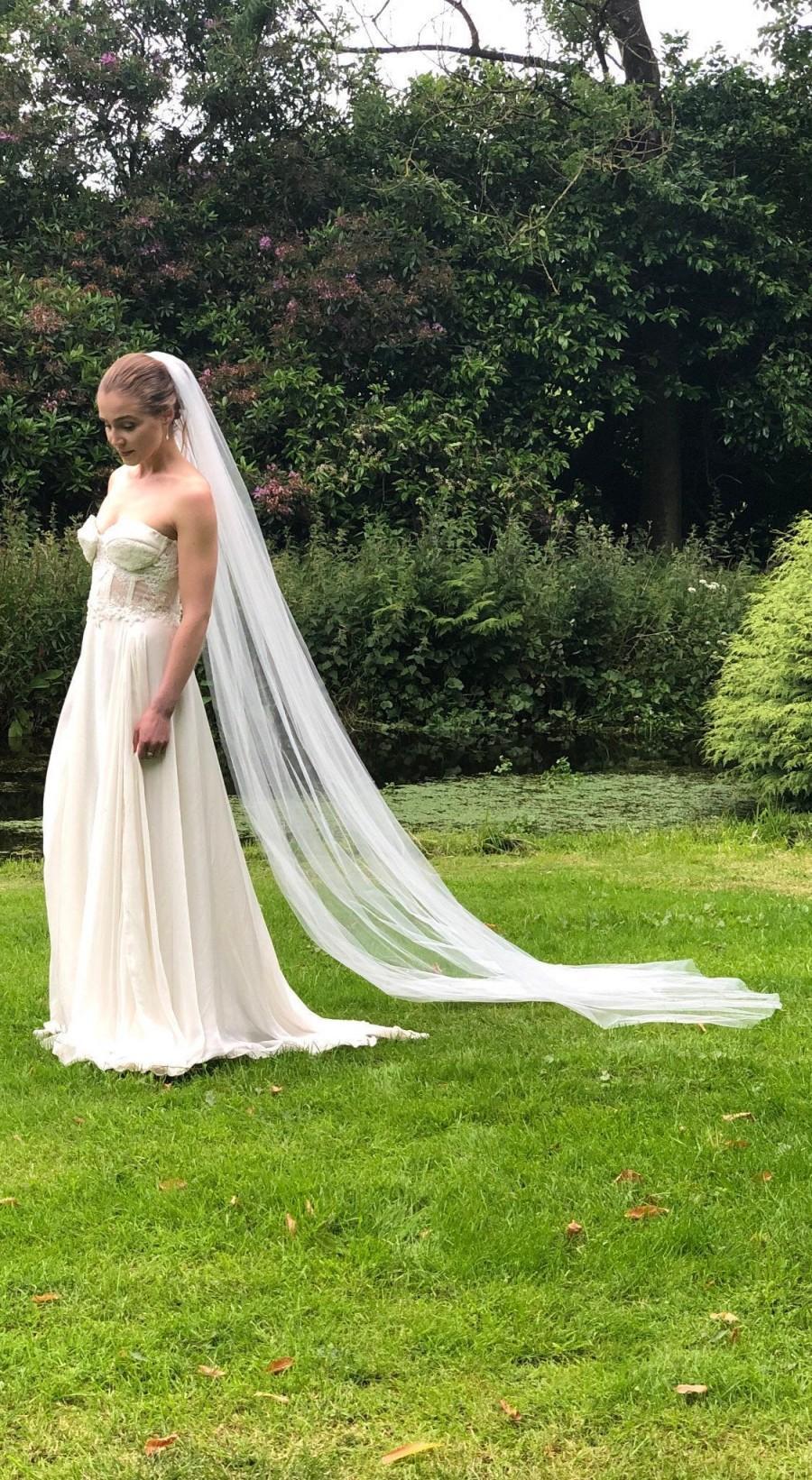 Hochzeit - Soft Wedding Veil, Cathedral Bridal Veil, Fingertip Veil