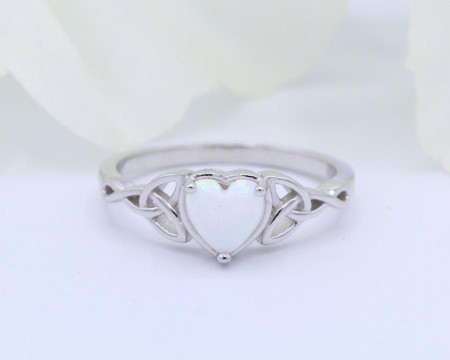 زفاف - 6mm Heart Lab White Opal Celtic Art Deco Wedding Bridal Engagement Promise Ring Solid 925 Sterling Silver