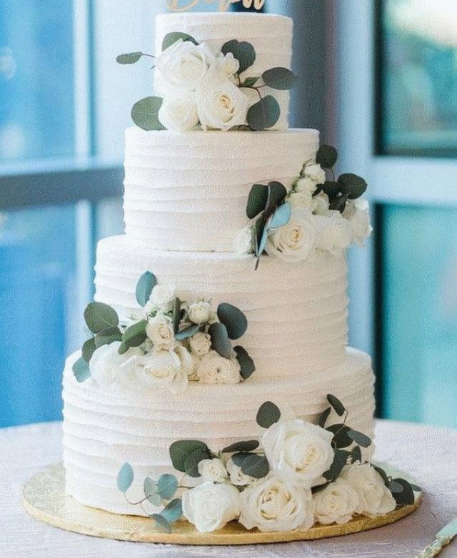 Hochzeit - Preserved Dried Eucalyptus  Rose Cake Decoration - Botanical Cake Topper - Wedding Cake Decor - Cake Flower Topper - Botanical Cake Decor