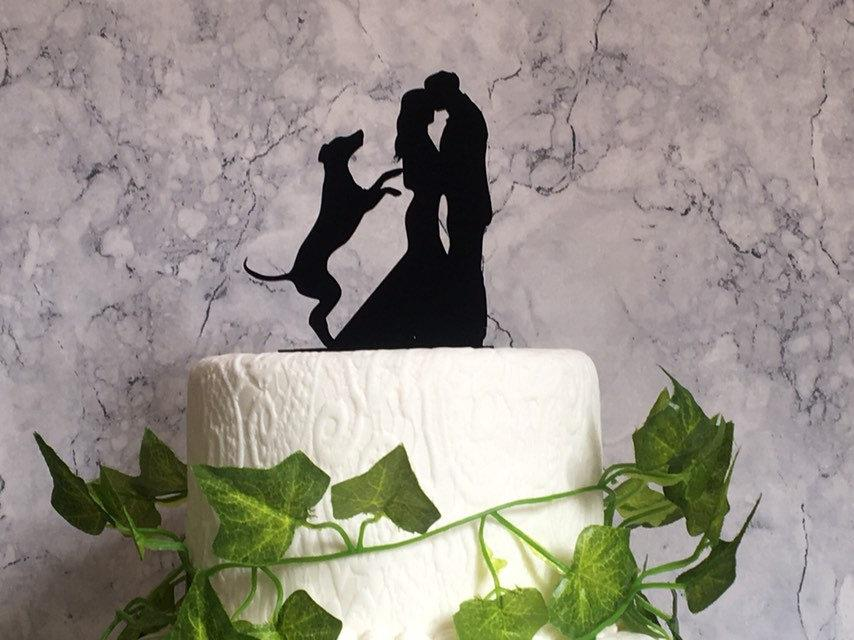 Hochzeit - Silhouette Wedding Cake Topper with Hungarian Vizsla Dog, Pet Wedding Decor, Acrylic Cake Decoration, Bride Groom and Dog Cake Topper