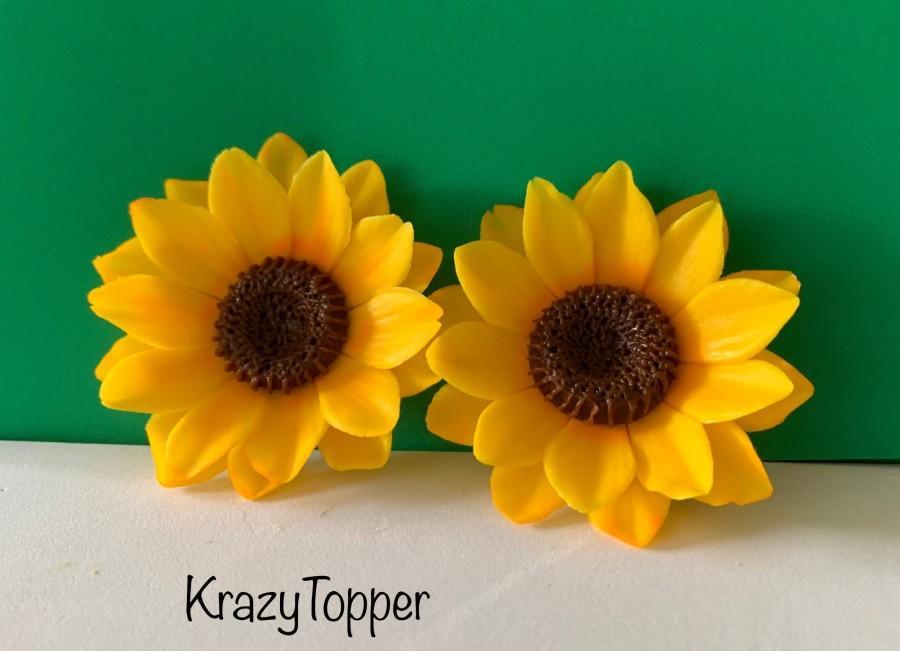 زفاف - Fondant  Sunflower /Edible Flowers/Cake and Cupcake Toppers
