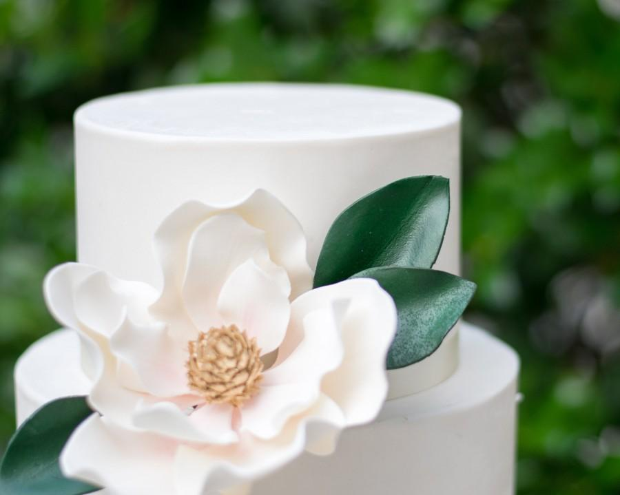 Hochzeit - 3 Magnolia Leaves - perfect for using with Gumpaste and Sugar Flower Cake Toppers
