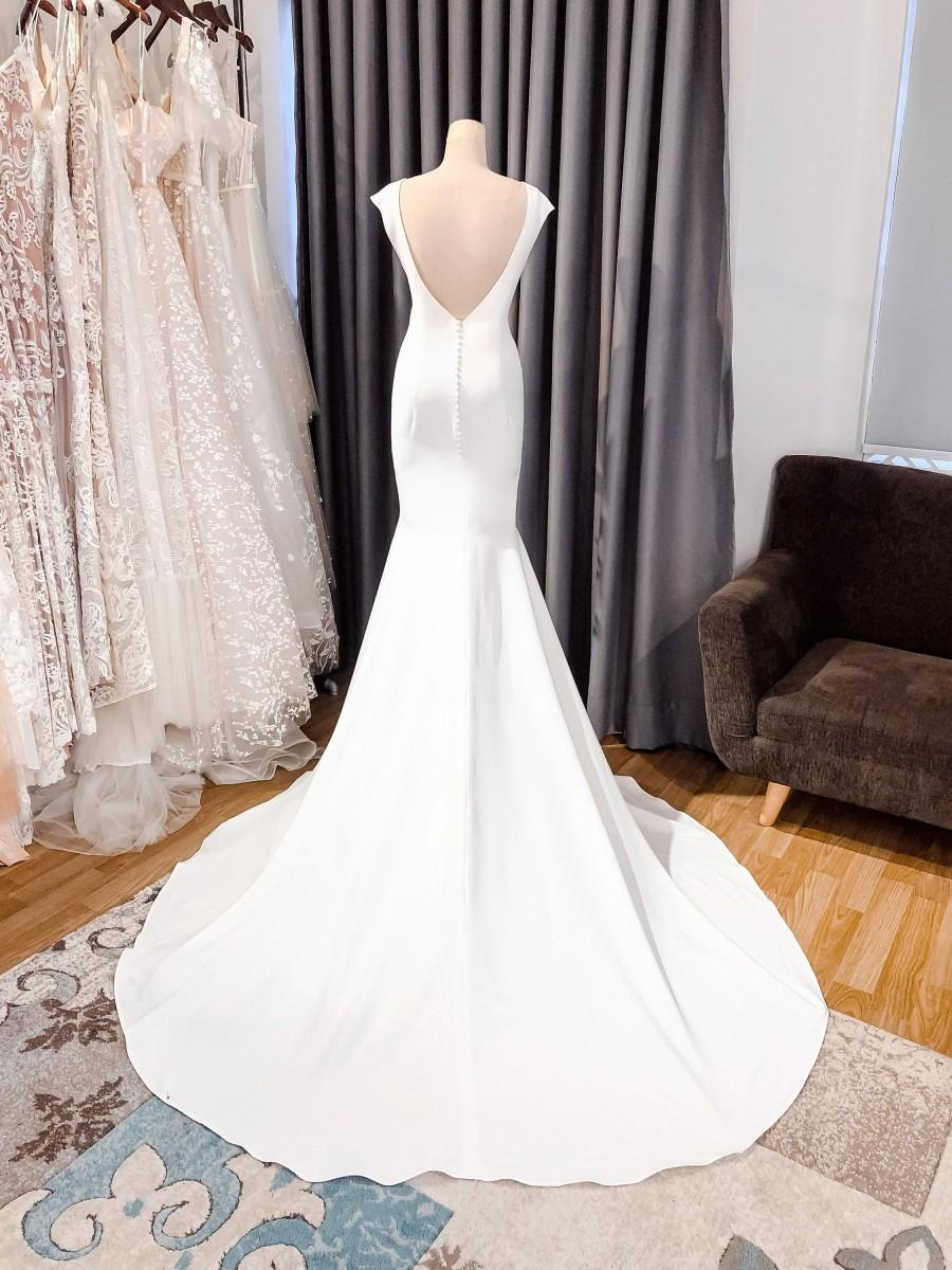 زفاف - Open Back Mermaid Wedding Dress/ Minimalist Crepe Bridal Gown Long Train
