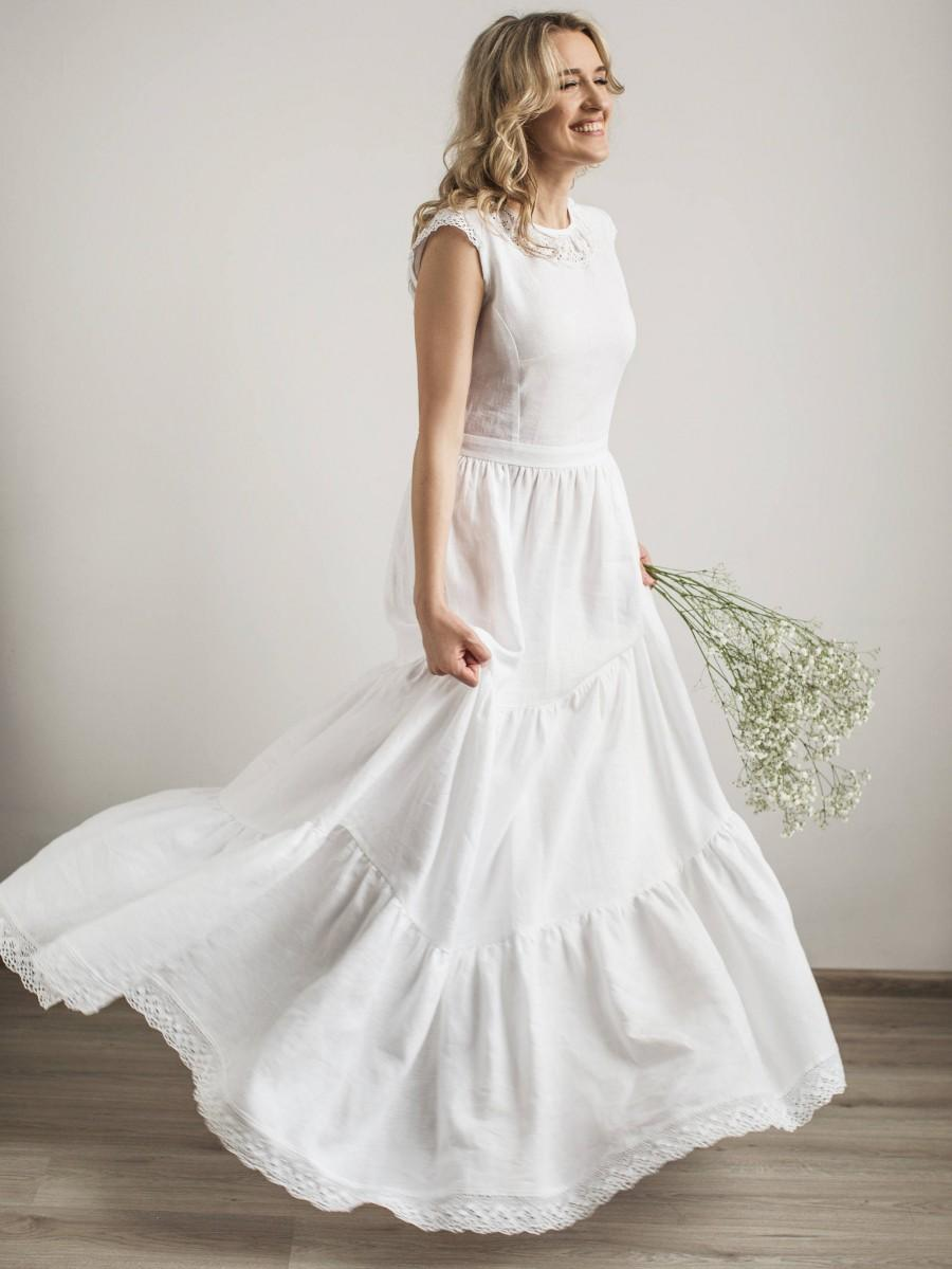 Mariage - Boho Wedding Dress, Linen Wedding Dress, Modest Wedding Dress, Simple Wedding Dress, Lace Wedding Dress, Linen Clothing, Beach Wedding Dress