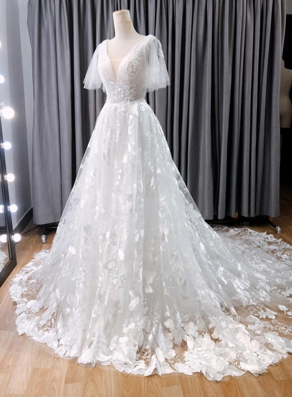 Wedding - RITA 2 - Vintage wedding dress with flutter sleeve, open back
