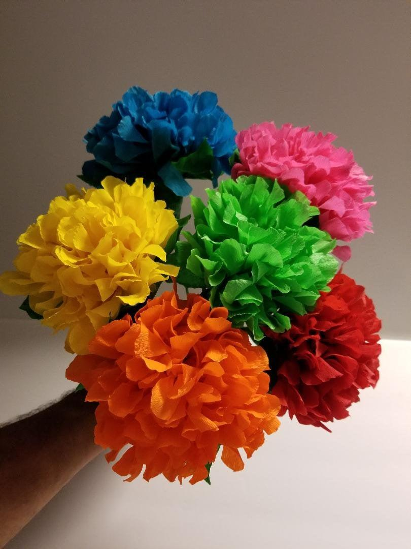 Mariage - 6 Hydrangea Crepe Paper Flowers, Mexican Flowers, Wedding, Party Decoration, Baby Shower, Paper Flowers, Cinco de Mayo, Birthday Party