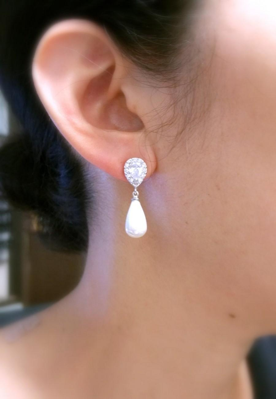 Hochzeit - wedding bridal jewelry bridesmaid gift prom pear teardrop off white or light cream shell pearl cubic zirconia deco teardrop post earrings