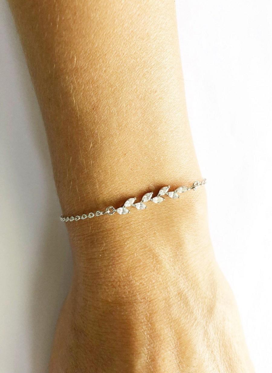 Hochzeit - Bridesmaid bracelet / Dainty Bracelet / Crystal Bracelet / Delicate Bracelet / Bracelet Femme / Bridesmaid Gift / Bride Bracelet / Stacking