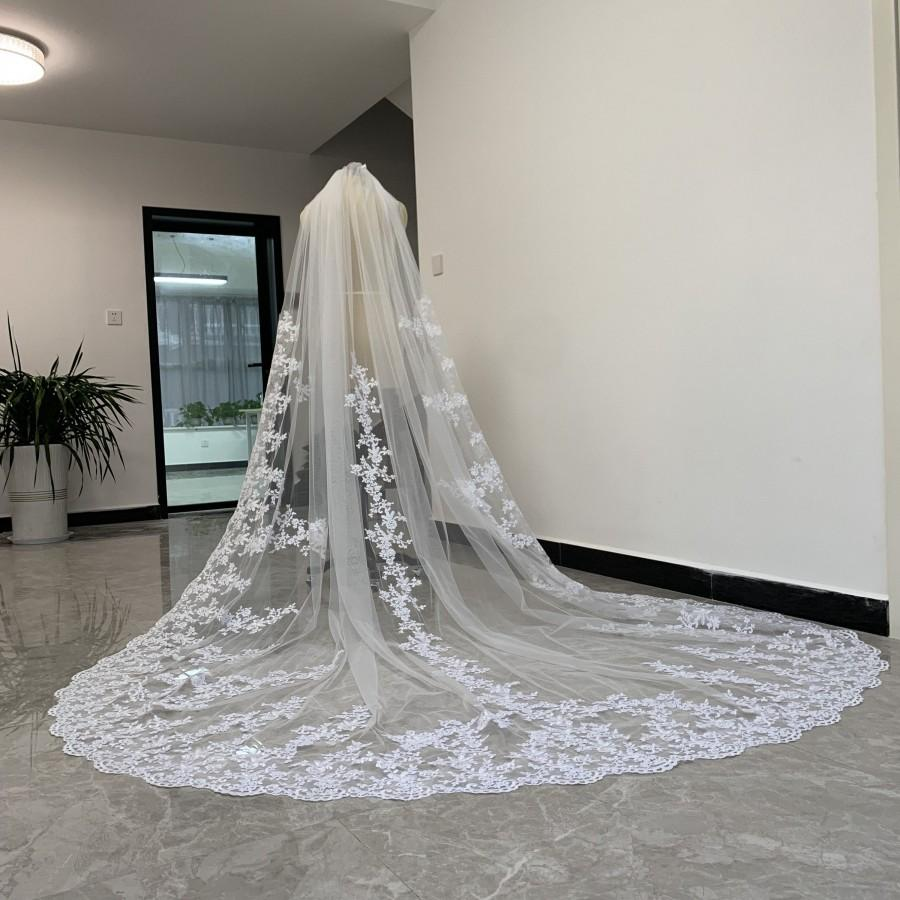 Wedding - Elegant Bridal Wedding Veil,Cathedral  Single lace veil ,White or Ivory Tulle Lace Applique Bridal Veil With Comb