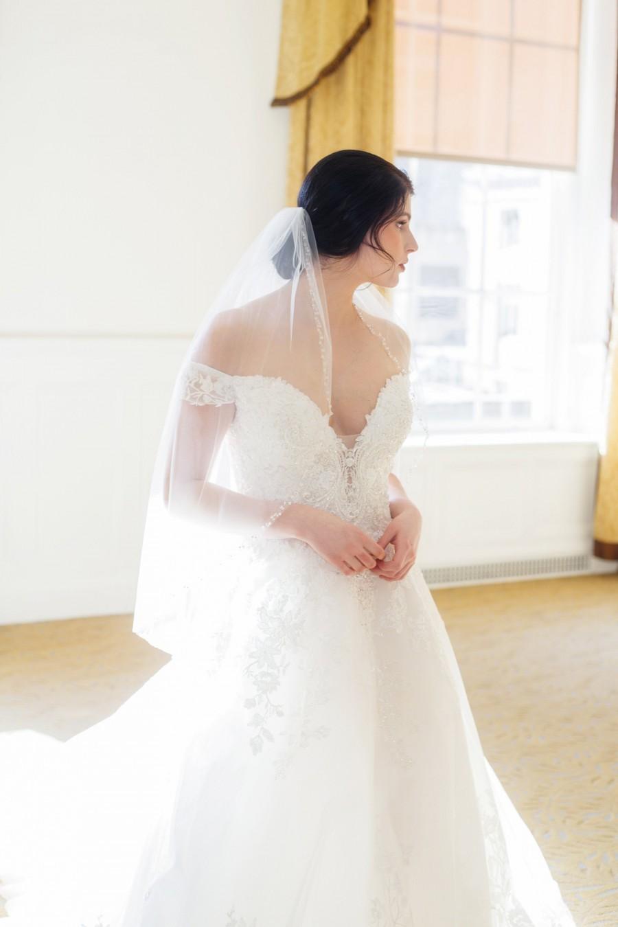 Hochzeit - 1 Tier Beaded Wedding Veil, Crystal Beaded Edge, Crystal Sheer Bridal Veil, Single Tier Veil, Ivory Wedding Veil