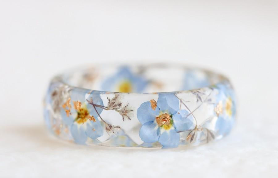 Mariage - Nature Ring with Pressed Forget-Me-Not and Gypsophila Flowers and Gold Flakes - Nature Inspired Jewellery - Faceted Ring with Real Flowers
