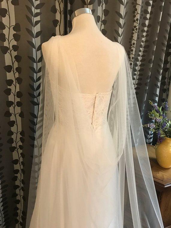 """Hochzeit - Bridal Drape Cape Veil, Soft Tulle Shoulder Cape Veil, 60""""W_120"""" L, White/ Off White/ Ivory"""