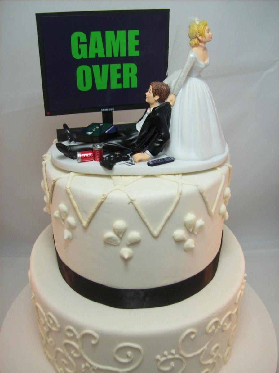 Hochzeit - GAME OVER (or ANY game/image) Funny Wedding Cake Topper Video Game Gaming Junkie Addict Rehearsal Dinner Gamer Groom's Cake Bride Veil PS4