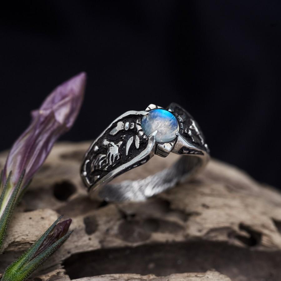 "زفاف - Moonstone engagement ring for women ""Wolf"""