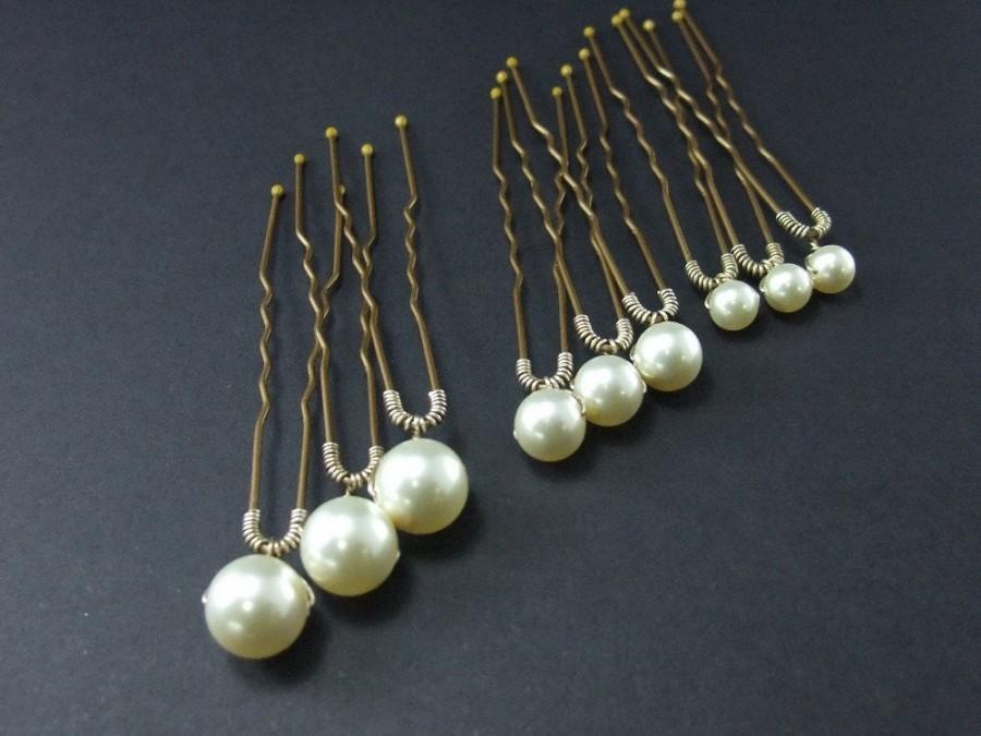 Wedding - Pearl Wedding hairpins or bobbypins, Set of Swarovski pearls for Brides or Bridesmaids, Hairpins for long hair, Bobby pins for short hair,