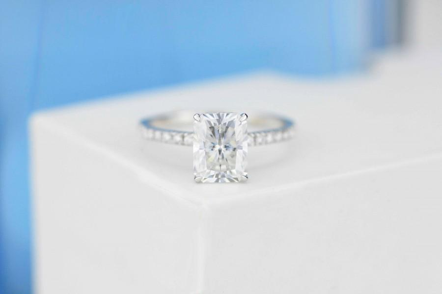 Mariage - 1.25 Ct Moissanite  Engagement Ring, Solitaire Radiant Cut Moissanite Engagement Ring, Moissanite Pave Accents Stones Hidden Halo