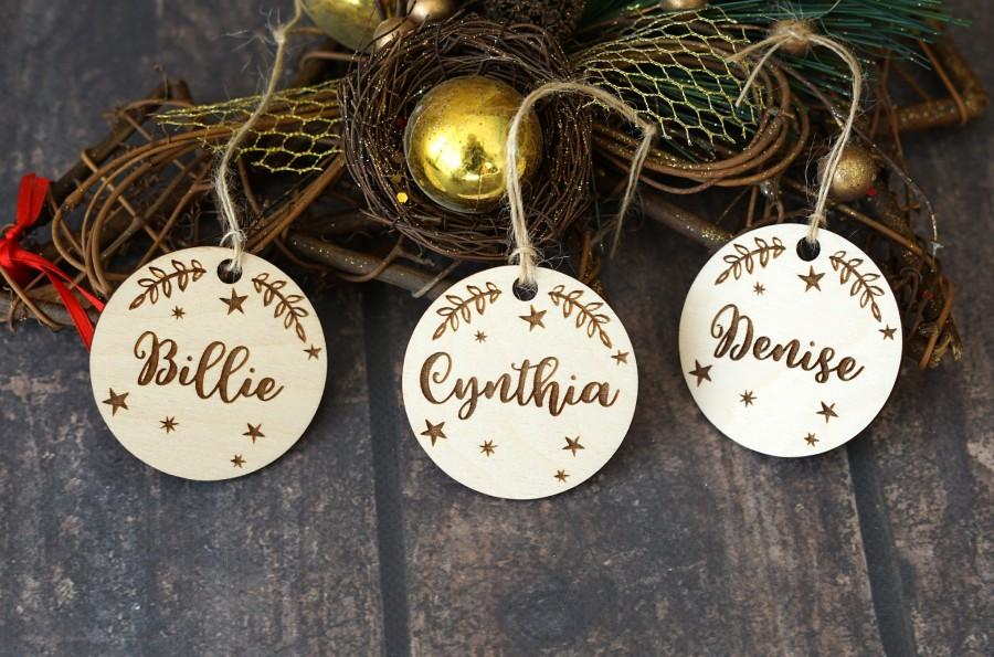 Wedding - Winter wedding Christmas Gift Tags Ornament, Custom Wood Laser cut guest names Place setting ornament favours wood Table wedding place cards