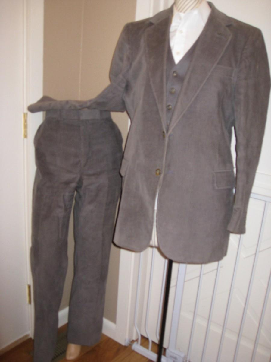 Wedding - Vintage Mens Gray Corduroy 3 Piece Suit/College Hall Mens Suit/Corduroy Trousers/Gray Vest/3 Piece Suit /Size 42-44 Blazer/ 36/33 Pants