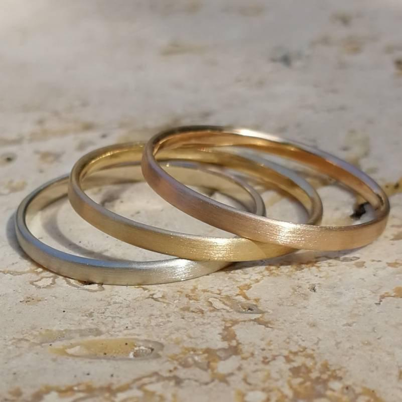 Wedding - 2 mm alliance, 18K gold, fine ring, simple very fine stackable wedding ring in minimalist style.