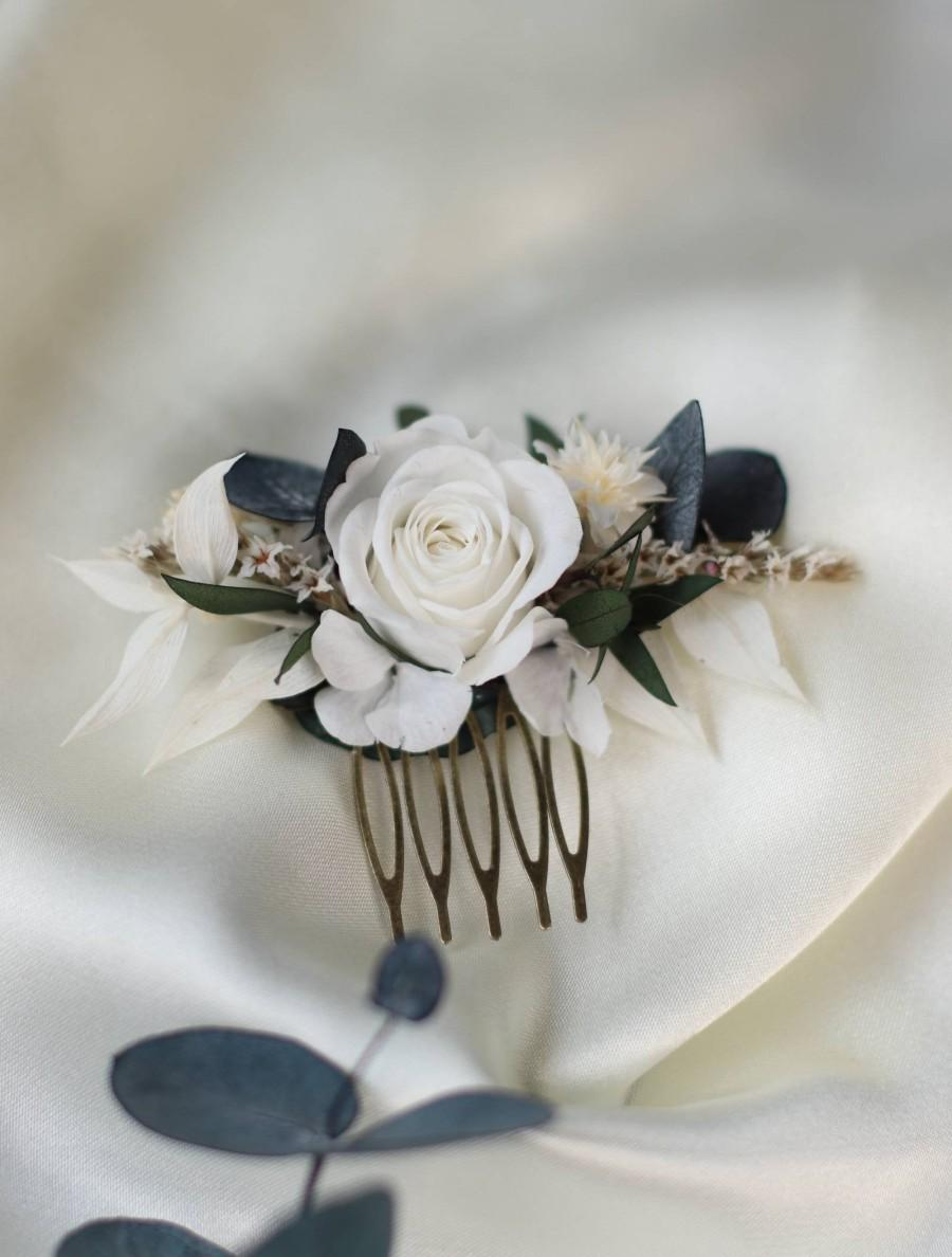 Wedding - hair comb for bride in stabilized flowers and dried navy white and green