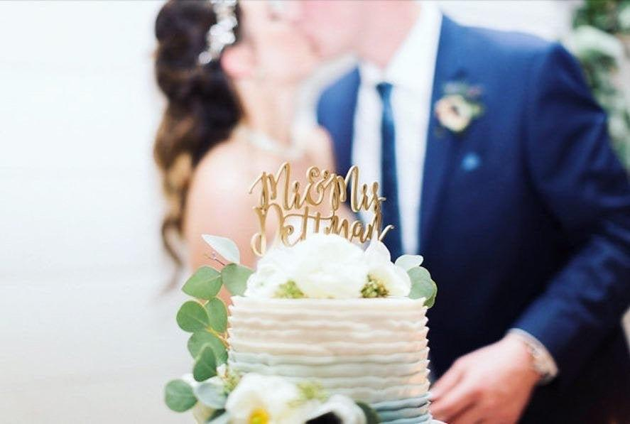 "Wedding - Mr and Mrs Last Name Cake Topper V2, 6""inches wide, Version 2, Custom Last Name Cake Topper Personalized Cake Topper Rustic Unique"