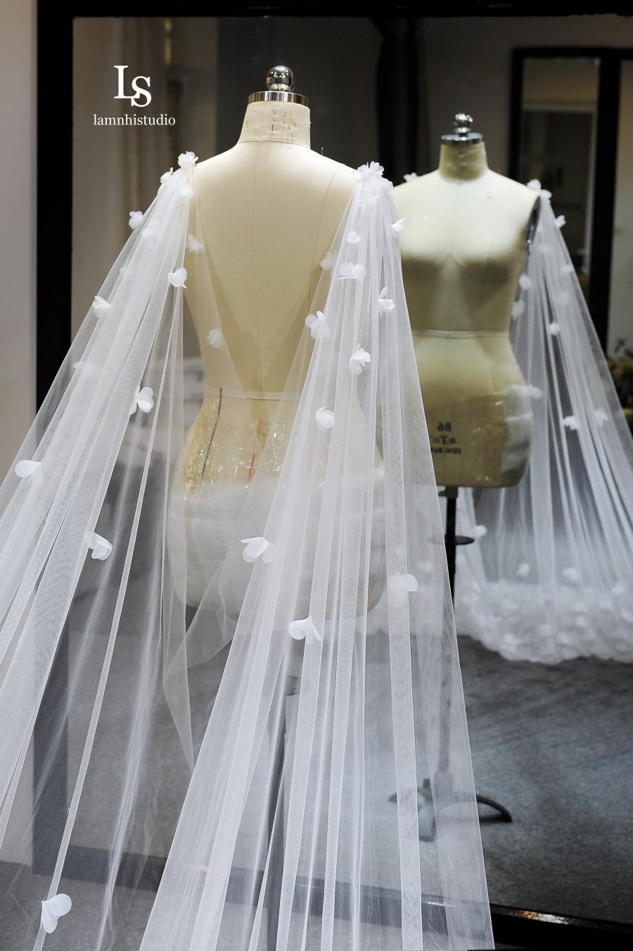 زفاف - Ls72/ 3D flower cape veil / bridal cape veil / Cathedral cape veil/Custom veil