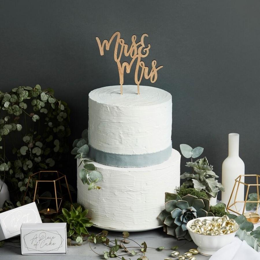 Hochzeit - Wooden Mrs & Mrs Cake Topper, Wooden Cake Decorations, Mrs and Mrs Wedding Cake Decorations, Rustic Wedding