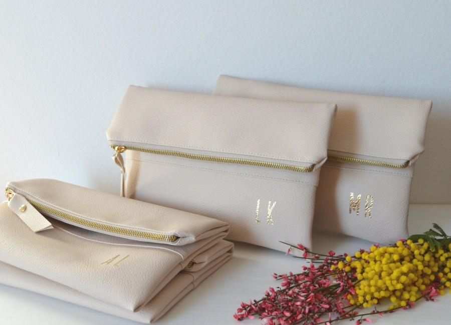 Mariage - Set of 4 Personalized Foldover Clutches in Cream Color / Bridesmaid Gift / Initials Clutch Purses