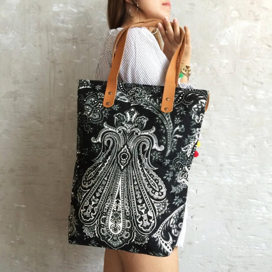 Mariage - P-Black Mandala tote bag canvas Weekender bag women / travel bag / overnight bag / Shopping bag / Beach totes / Boho Summer / Bachelor Party