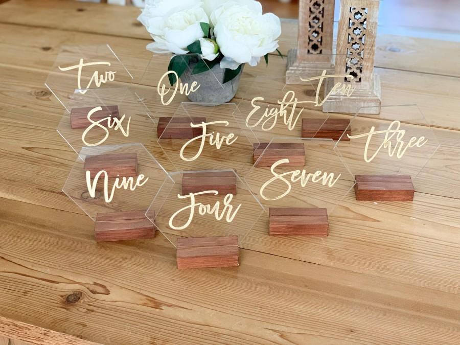 Свадьба - Hexagon Table number, acrylic wedding table number, Geometric Wedding Table Decor, Plexiglass Table Number, Modern Weddings