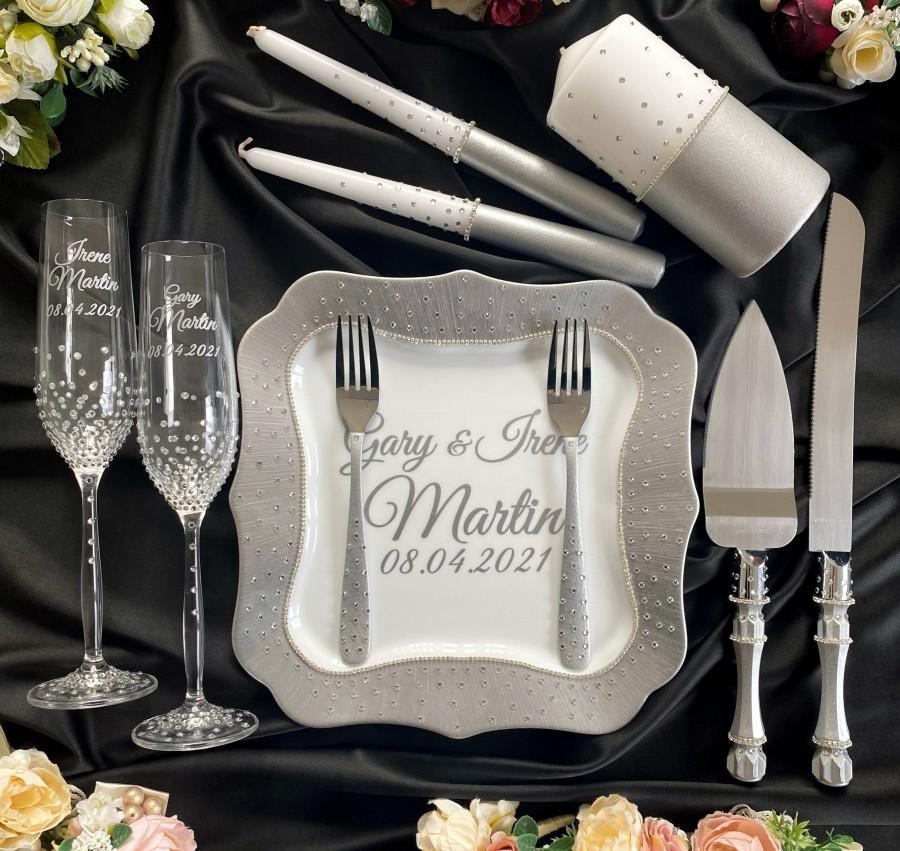 Hochzeit - Wedding serving set Unity candles set  gray wedding glasses and cake cutting set Wedding toasting flutes