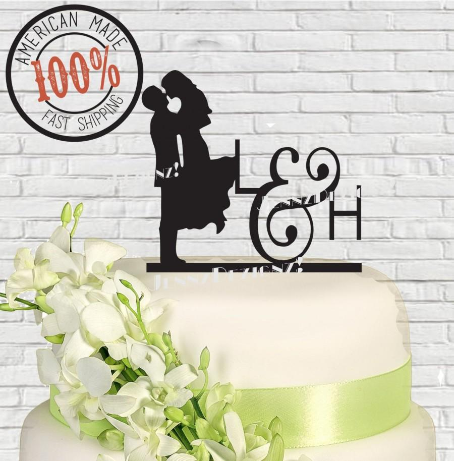زفاف - Silhouette Couple with Initials Wedding Cake Topper Made in USA