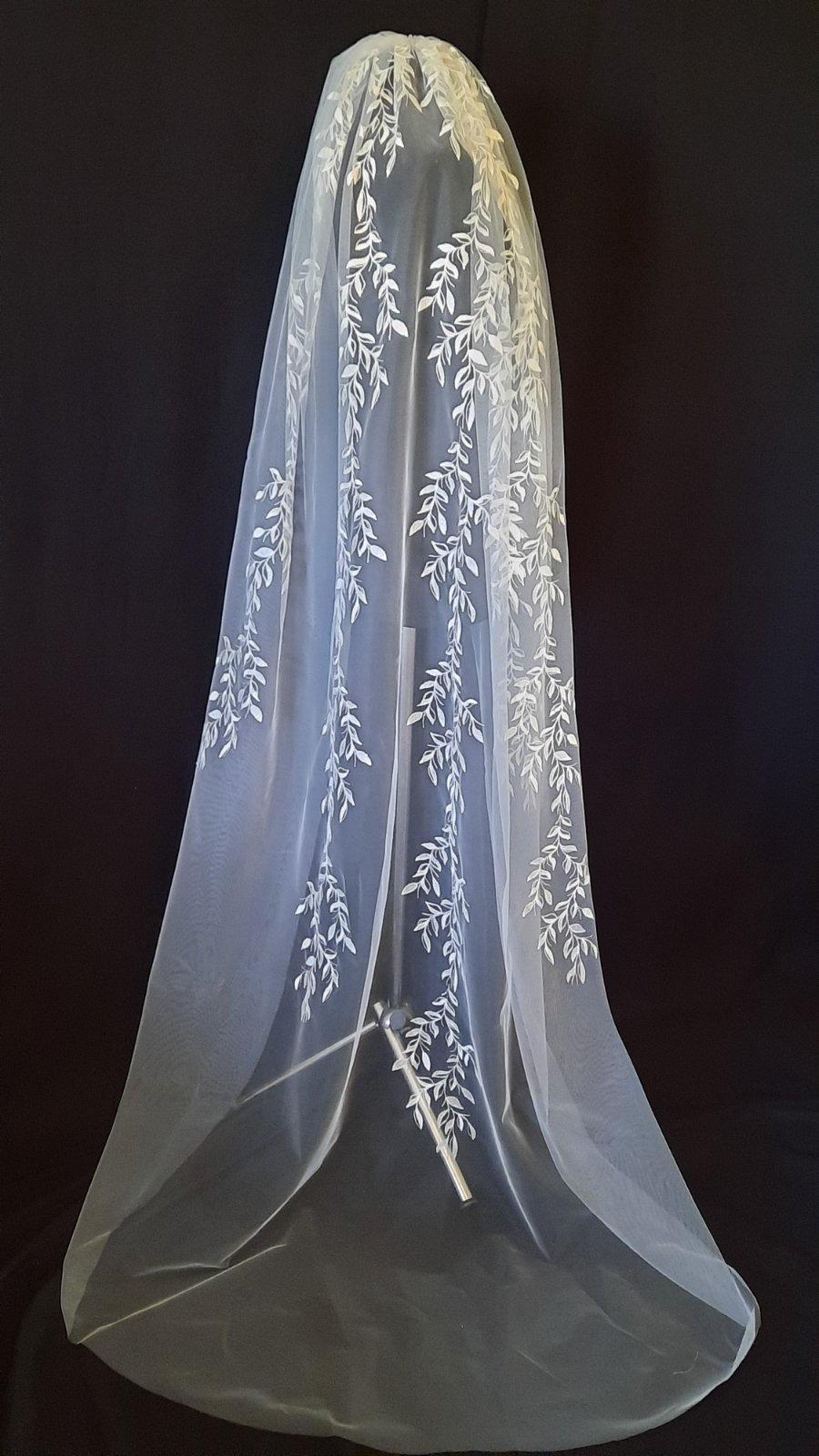 Mariage - Wedding veil with leaves veil lace veil bridal cathedral veil soft tulle veil for bride chapel length lace veil boho veil wedding veil 1tier